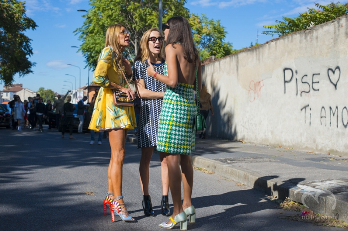 Italian fashion directors Anna Dello Russo and Giovanna Battaglia with a friend in prints.