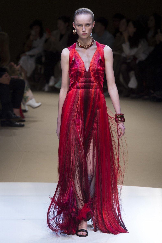 Alexander McQueen AW18 (Photo: Vogue.com)