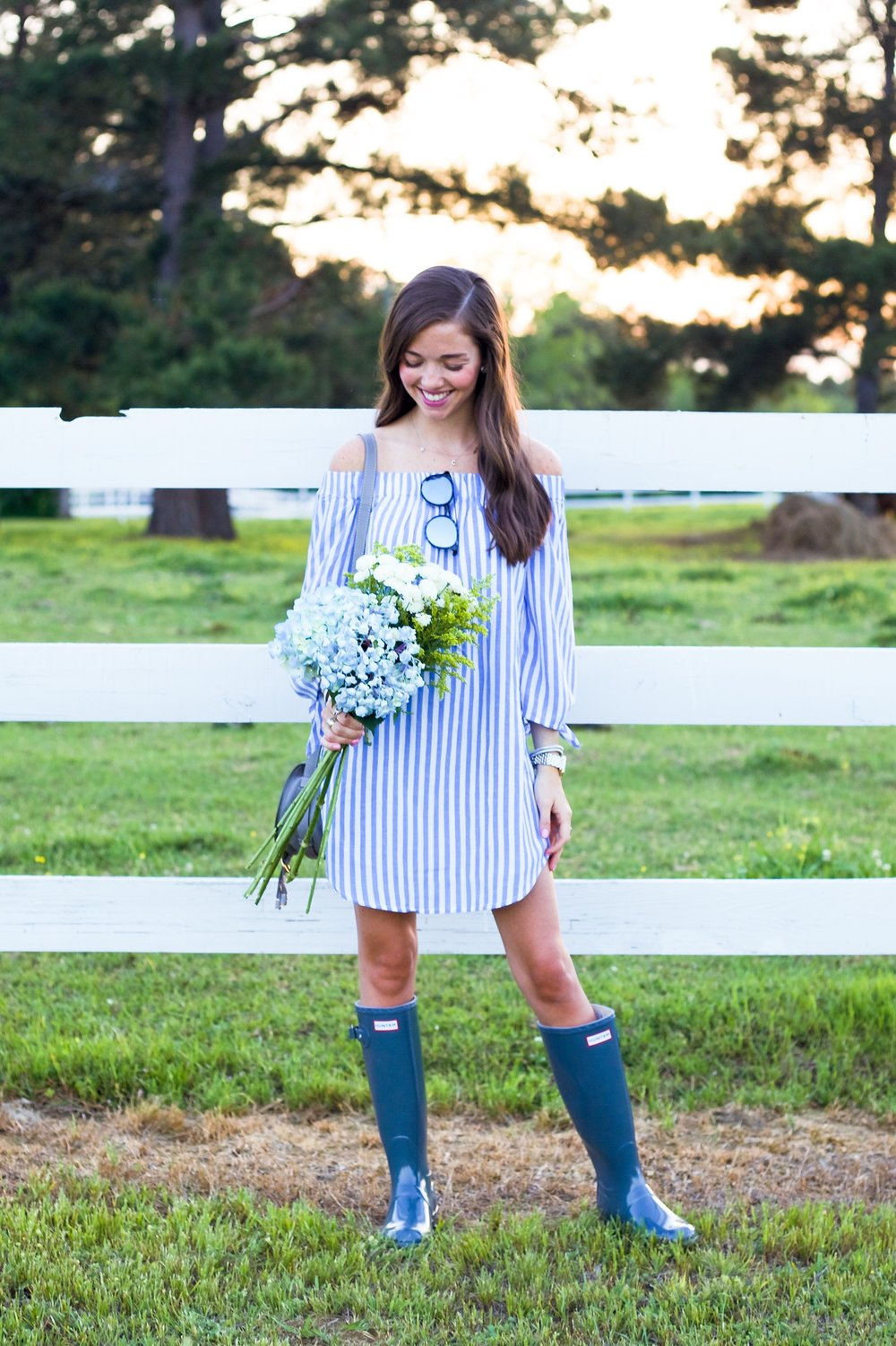 61fashion blogger lcb style old navy hunter boots stripe.JPG