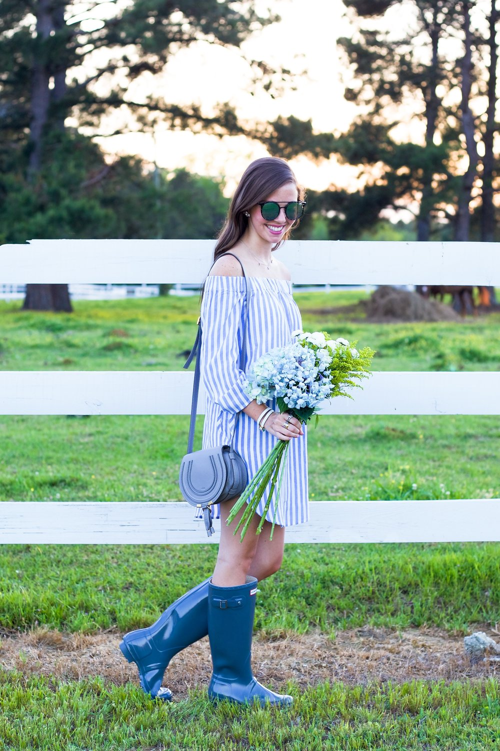 71fashion blogger lcb style old navy hunter boots stripe.JPG