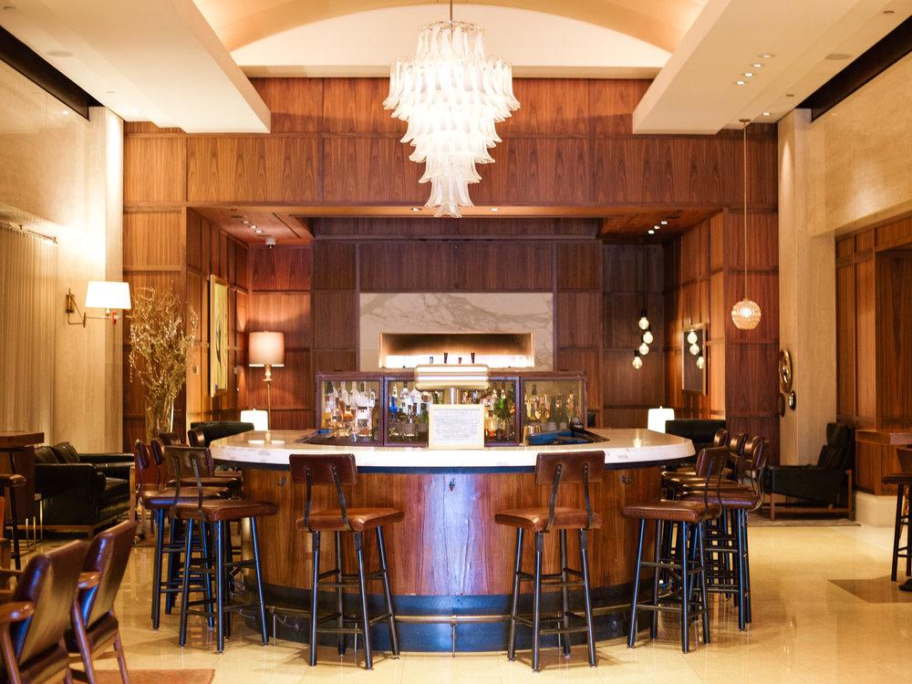 lcb style fashion blogger ritz carlton boston common rcmemories hotel travel blogger (8 of 29).jpg