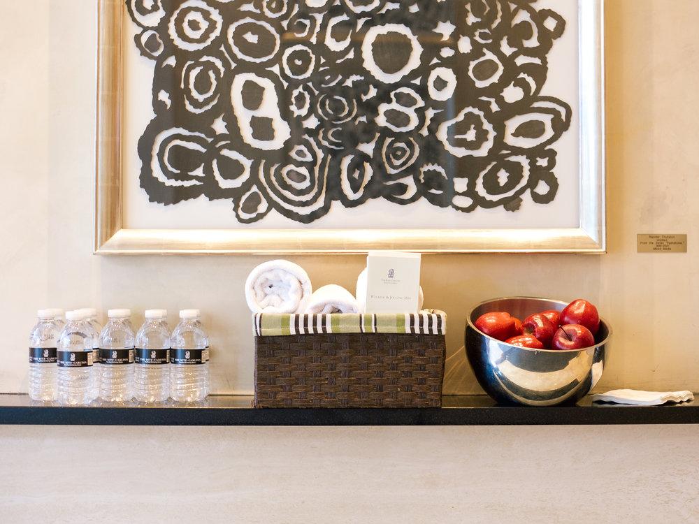lcb style fashion blogger ritz carlton boston common rcmemories hotel travel blogger (12 of 29).jpg