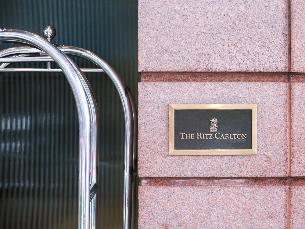 lcb style fashion blogger ritz carlton boston common rcmemories hotel travel blogger (14 of 29).jpg
