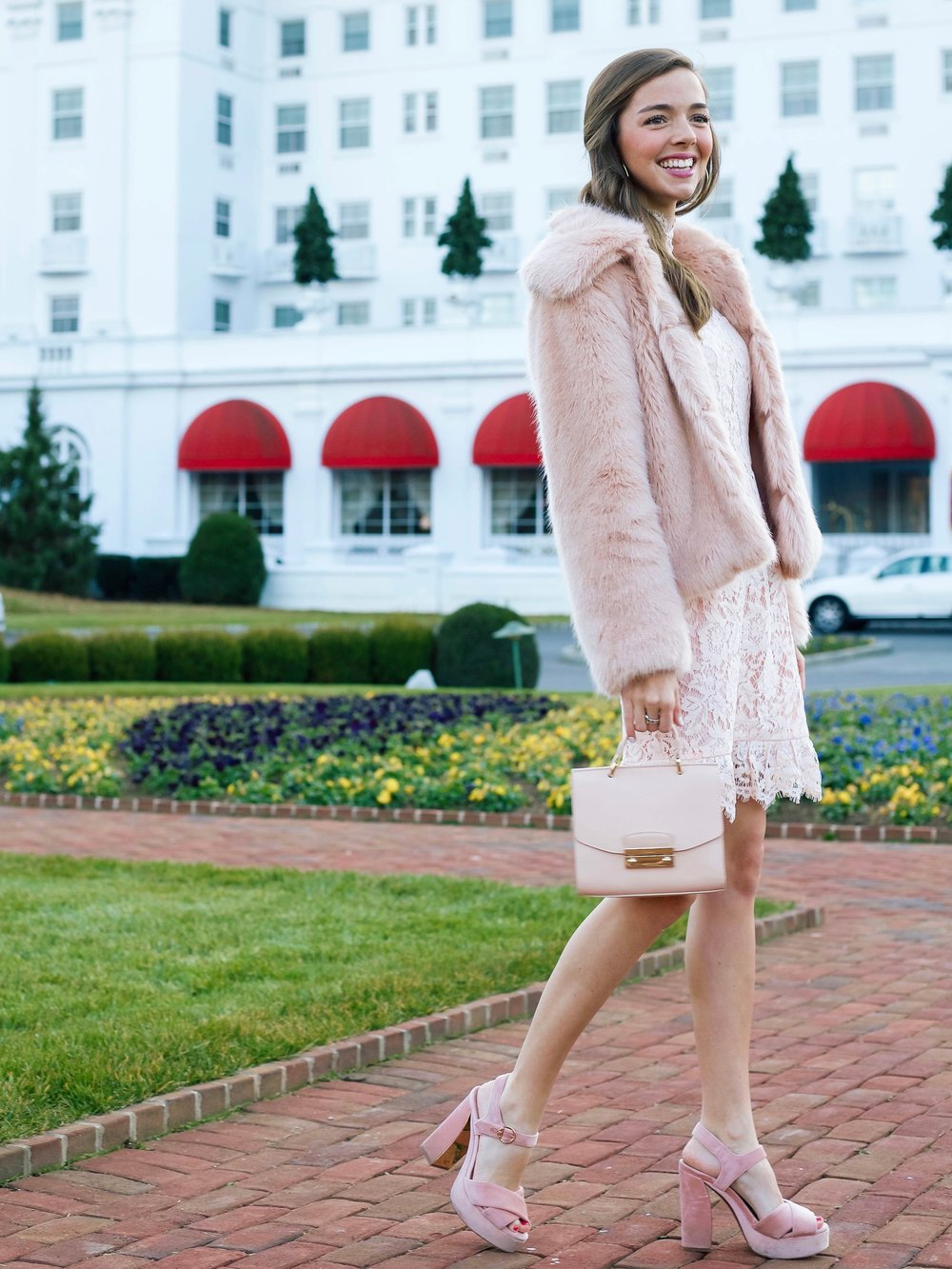 fashion blogger lcb style greenbrier resort (5 of 22).jpg