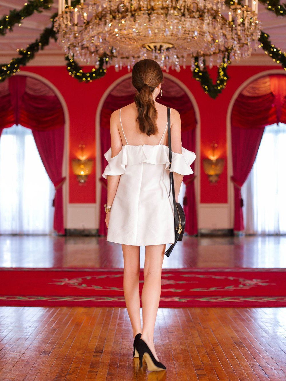 fashion blogger lcb style greenbrier resort (3 of 10).jpg