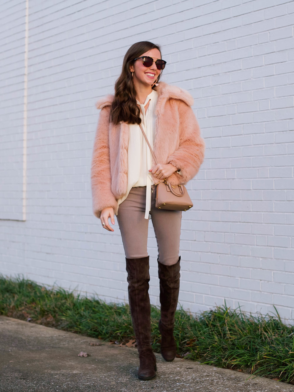 fashion blogger lcb style faux fur winter outfit (4 of 36).jpg