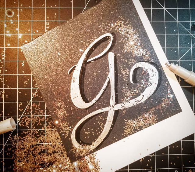 5 minutes and a messy desk #g #letterG #latenight #doodle #36daysoftype05 #36days_g #36daysoftype #lettering #crafts #type #goodtype #handmade #handmadefont  #madeit #instaart #glitter #sketch #ink #silver #gold #handlettering #freehand #handdrawn #incandescent #challenge #makeitwork #illustration