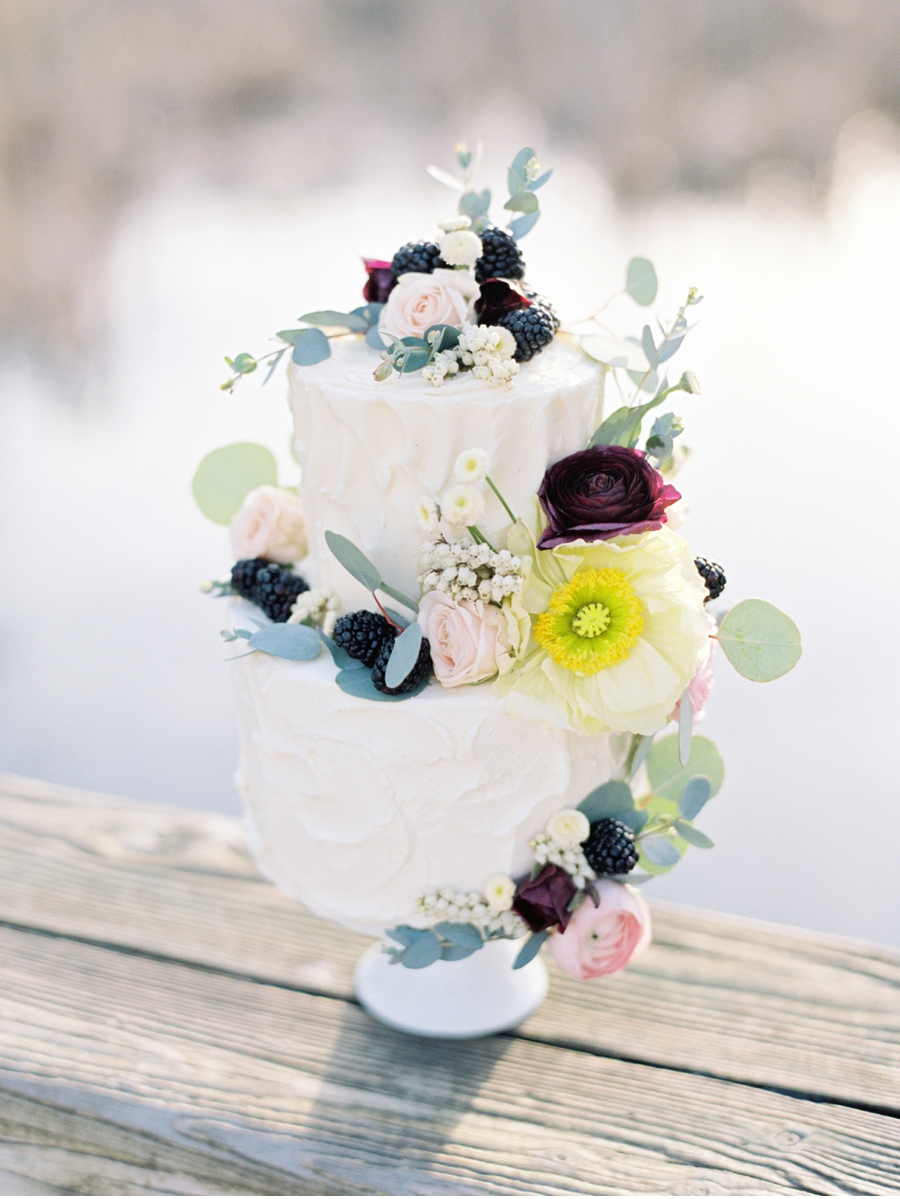 Styled-Shoot-Wedding-Cake