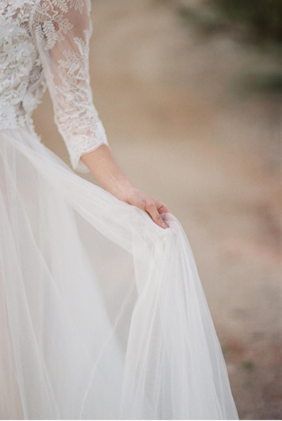 Desert-Wedding-Gown-Details