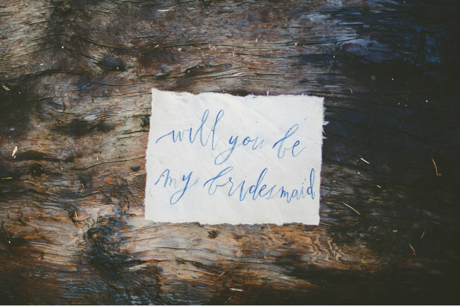 Bridesmaid-message-in-a-bottle
