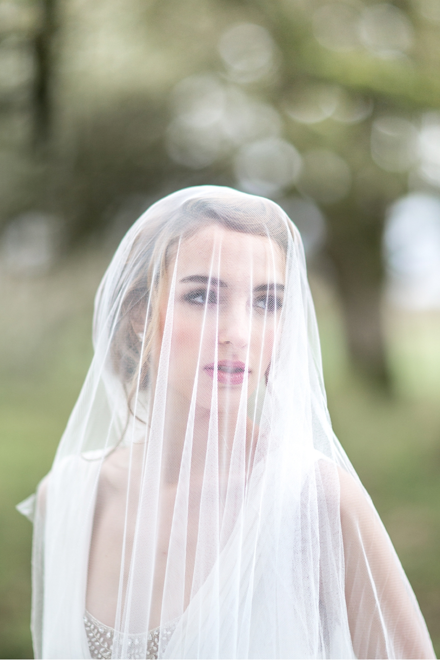 Bride-with-Veil-Canadian-Weddings