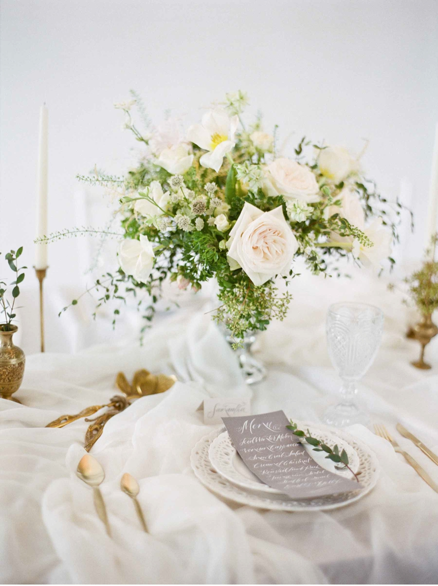 White-Grey-Gold-Wedding-Inspiration