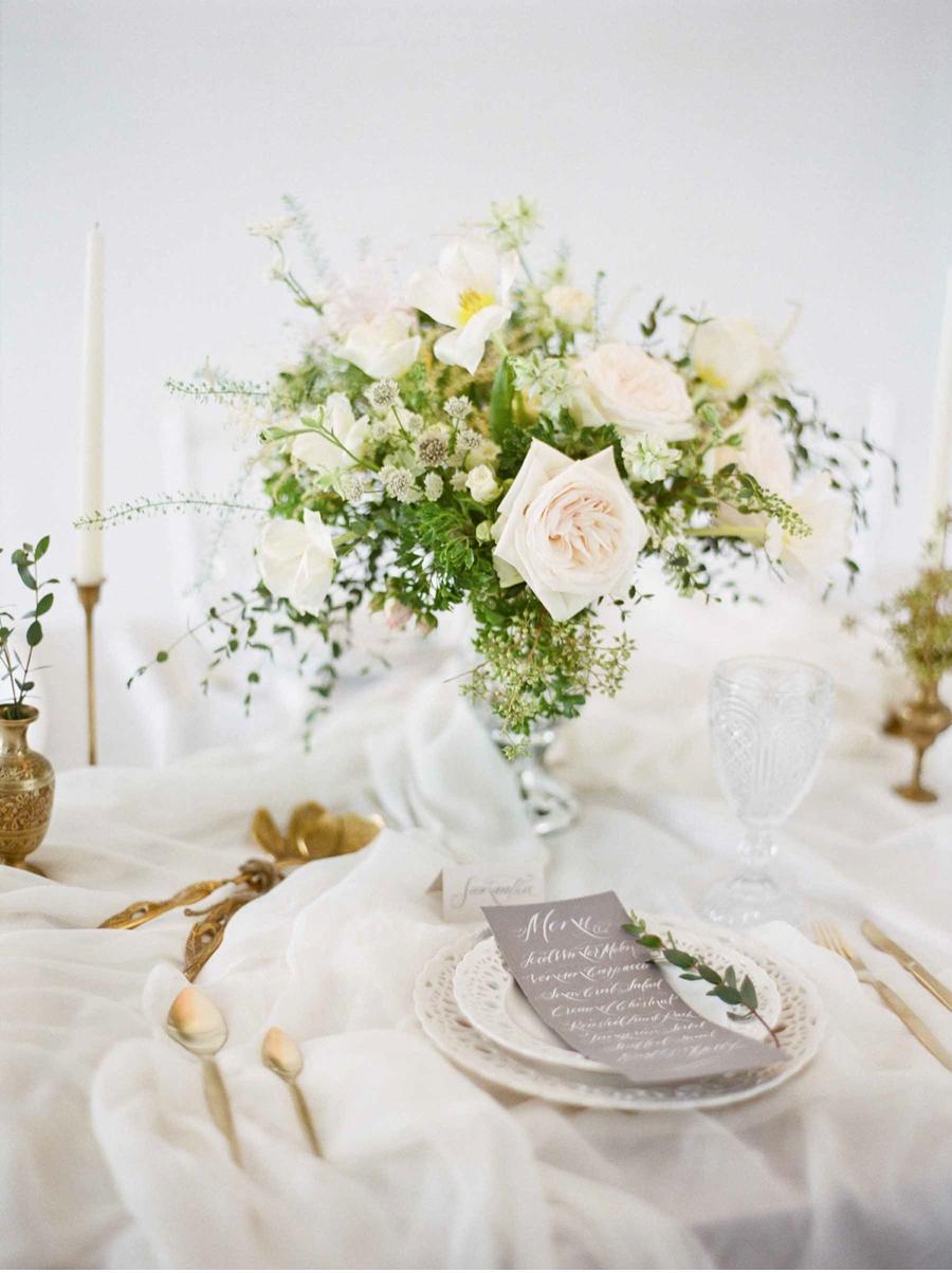 White-Grey-Gold-Wedding-Inspiration