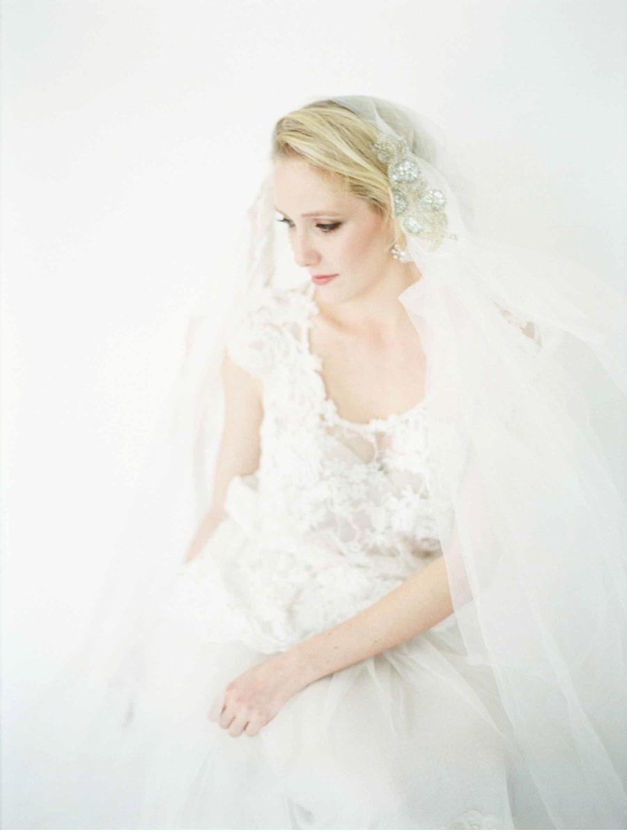White-Lace-Wedding-Details