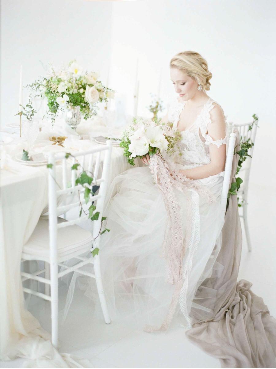 Chandelier-Weddings-Styling