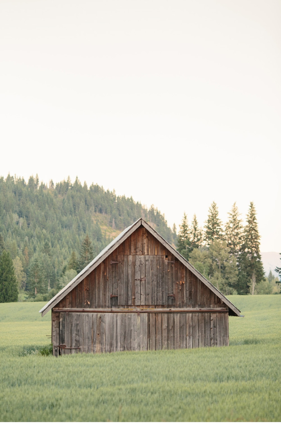 Salmon-Arm-Barn-at-Dusk
