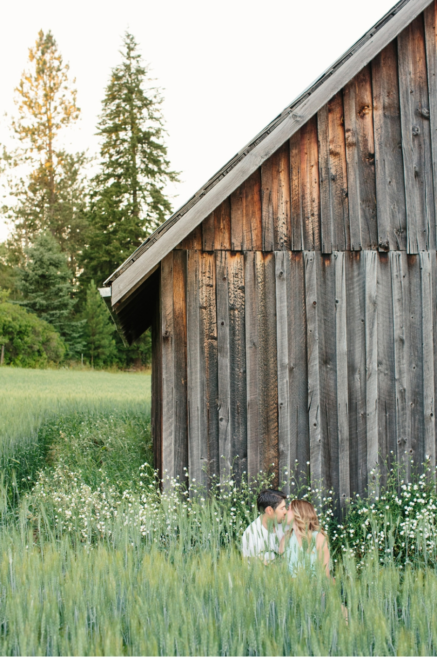 Rustic-Barn-Engagement-Shoot