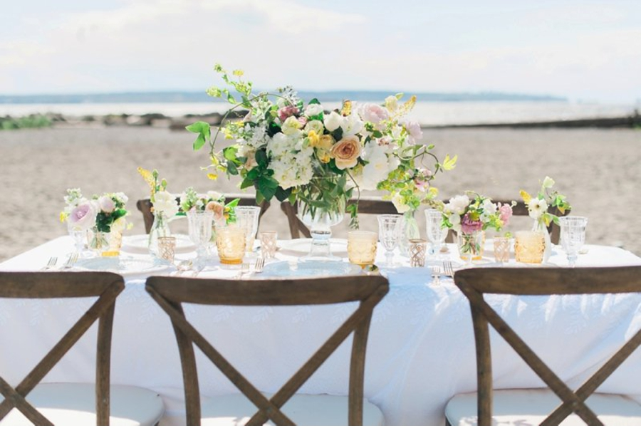 Vancouver-beach-wedding-reception-table