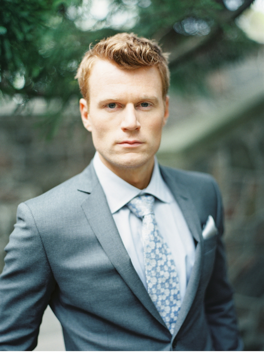 Redhead-Groom-with-Dark-Suit