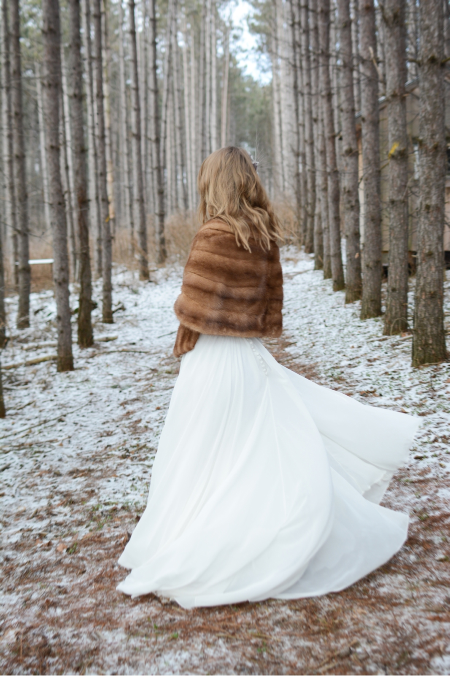Forest-Elopement-Shoot-in-Winter