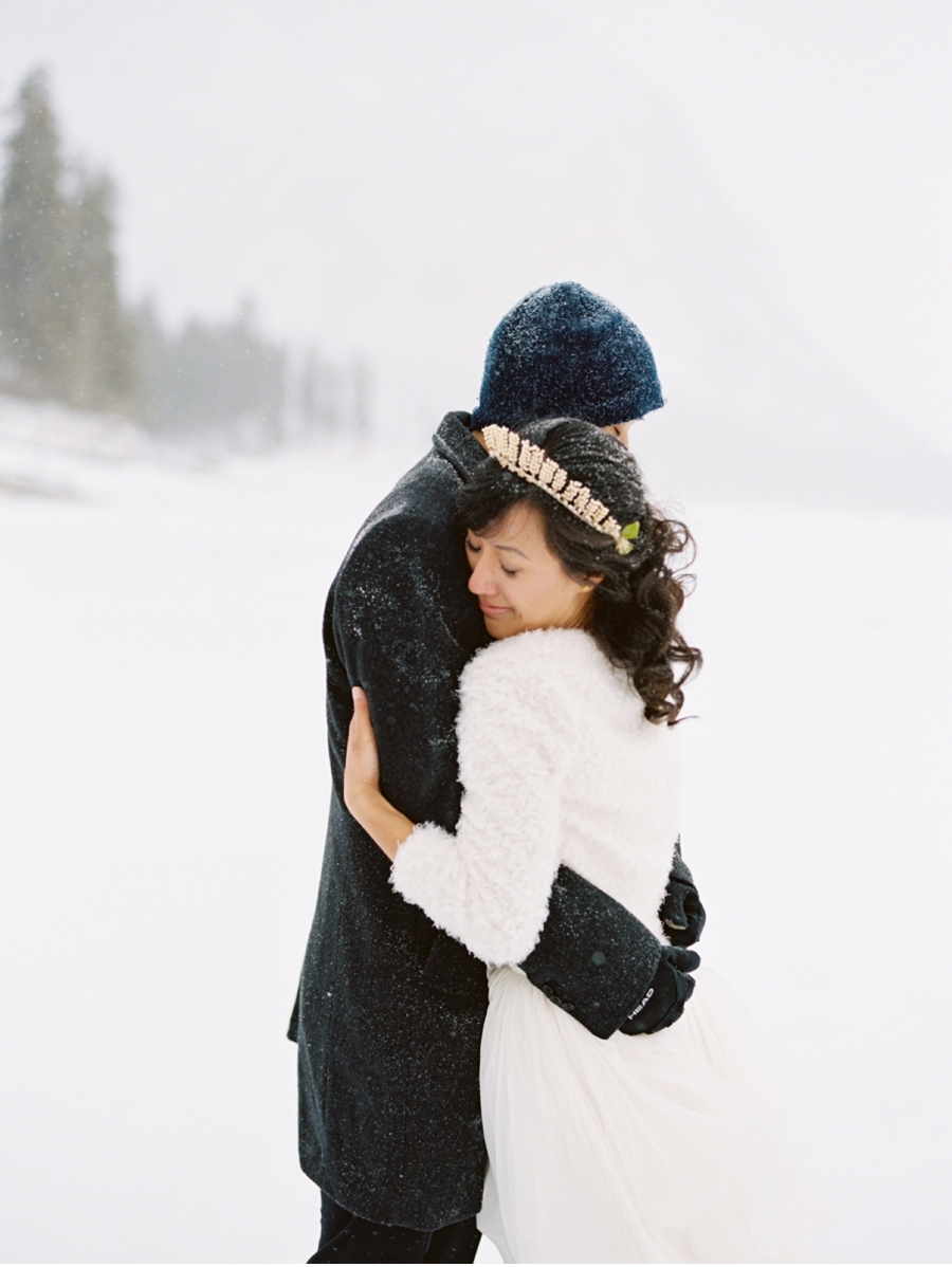 Rocky-Mountain-Winter-Wedding-Inspiration
