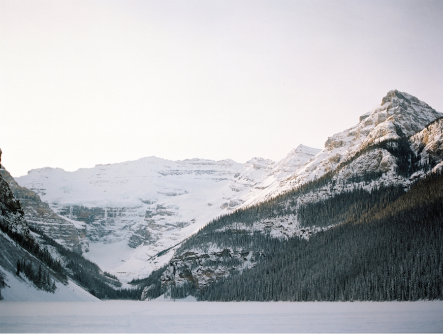Lake-Louise-Alberta-Winter-Wedding-Location