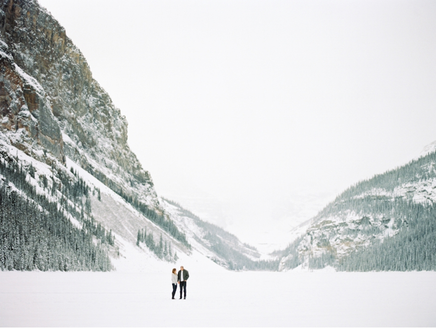 Winter-Engagement-Session-Lake-Louise