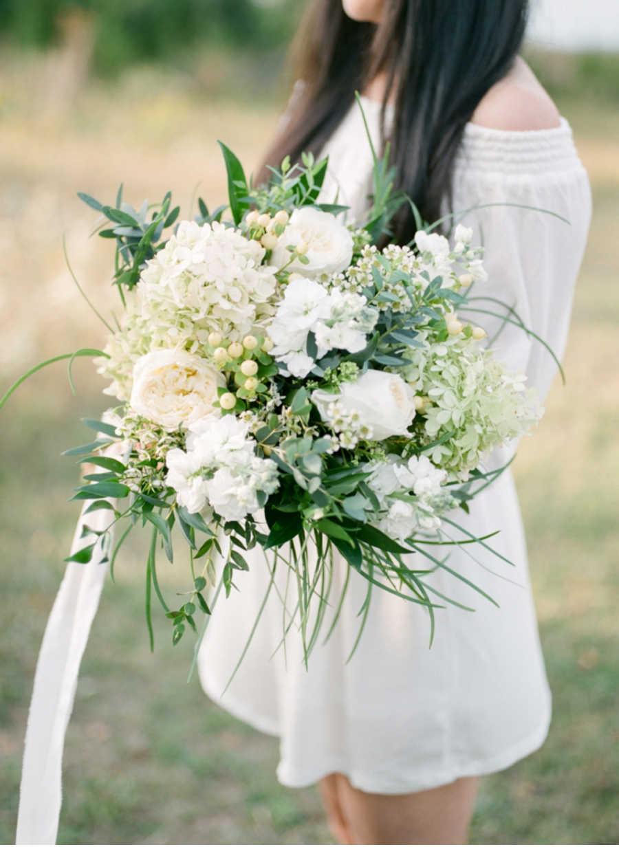 Bohemian-Bride-with-Bouquet