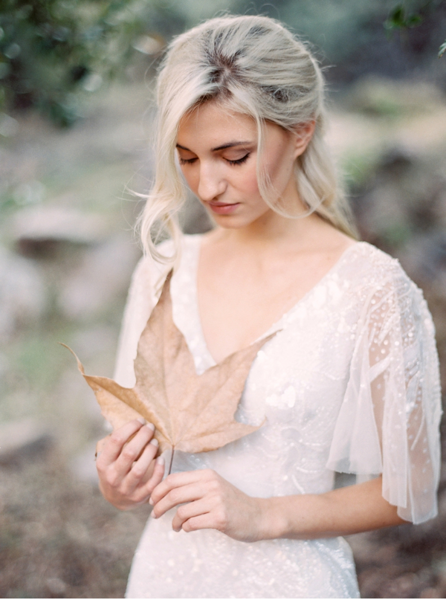 Neutral-Fall-Wedding-Inspiration