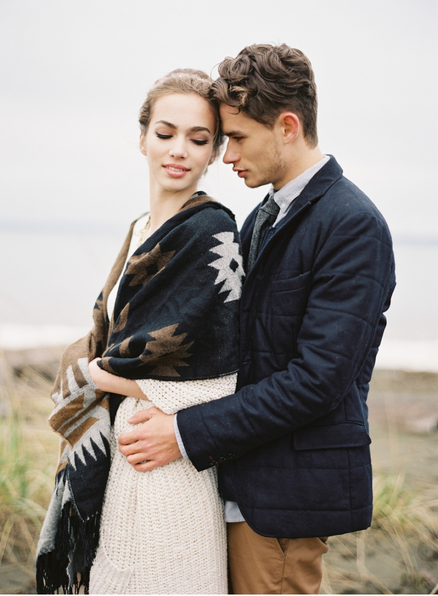 Stylish-Coastal-Engagement-Shoot