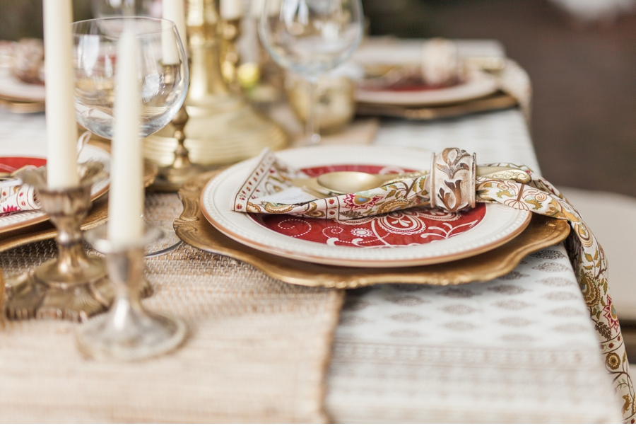 Red-and-Gold-Tuscan-Table-Setting
