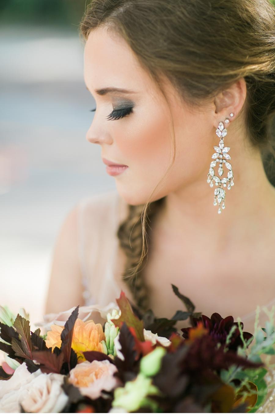 Elegant-Fall-Bridal-Style