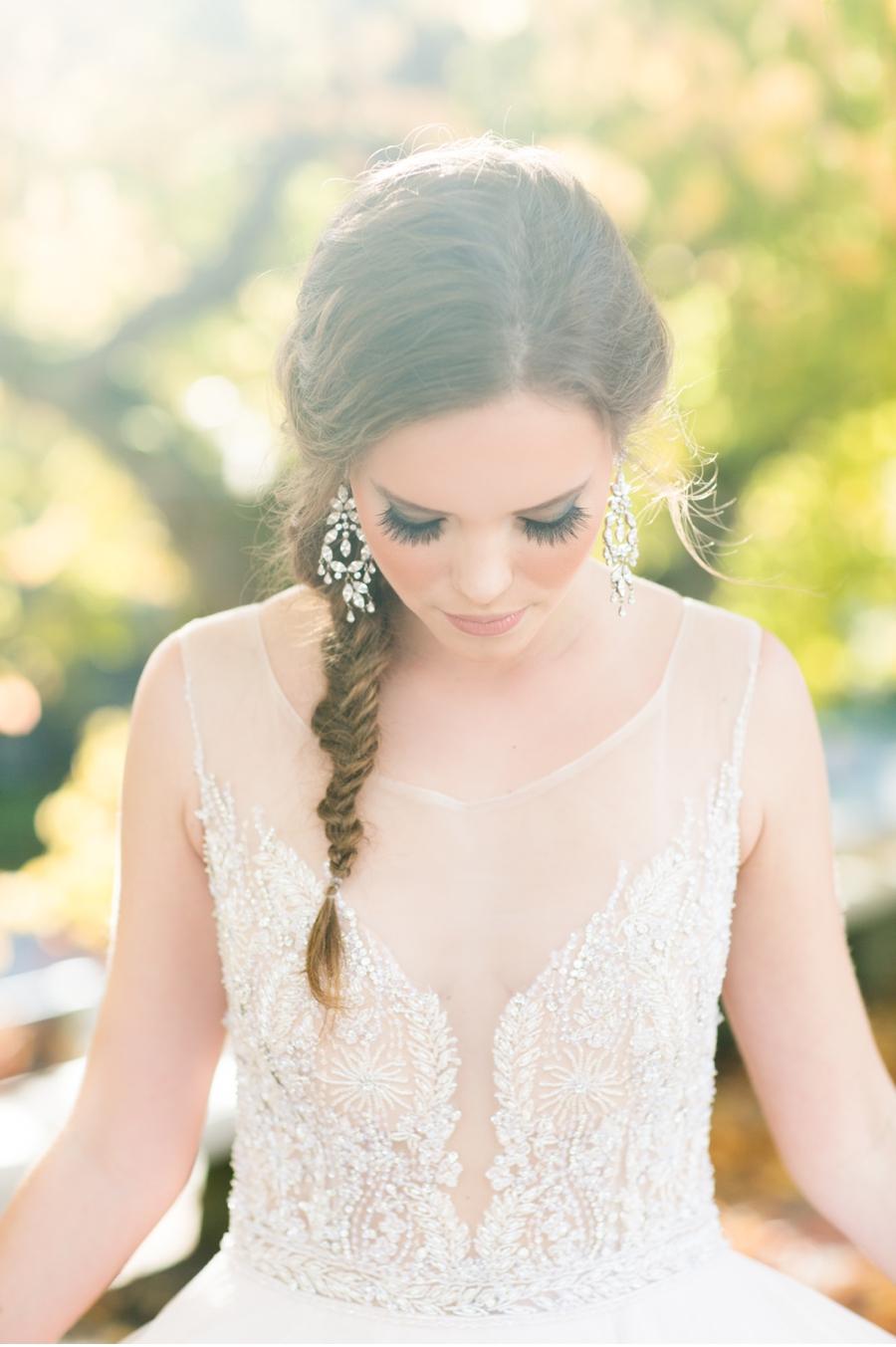 Elegant-Bride-UBC-Rose-Gardens
