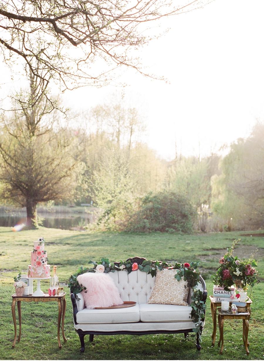 Pink-Winter-Wedding-Inspiration