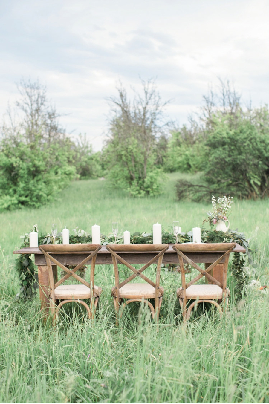 Niagara-Ontario-Meadow-Wedding-Inspiration