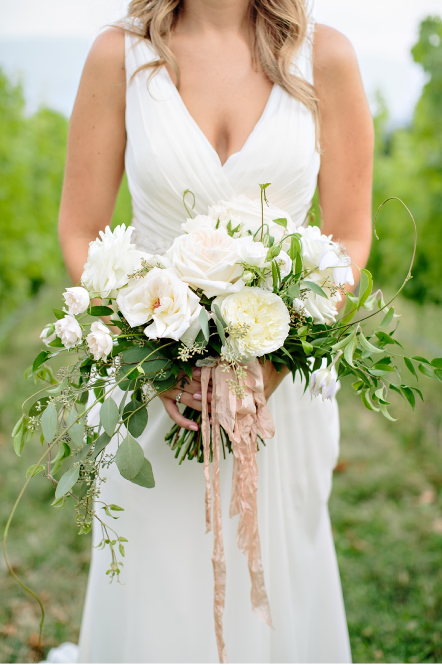 Bridal-Portrait-with-Bouquet