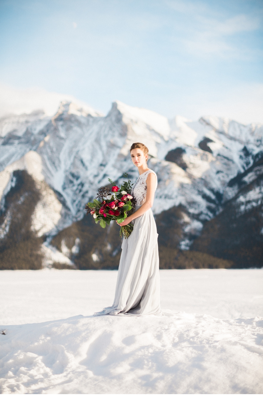 Lake-Minnewanka-Winter-Bridal-Look