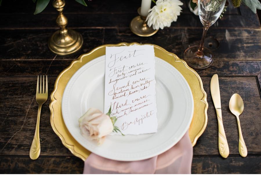 Gold-Wedding-Reception-Ideas