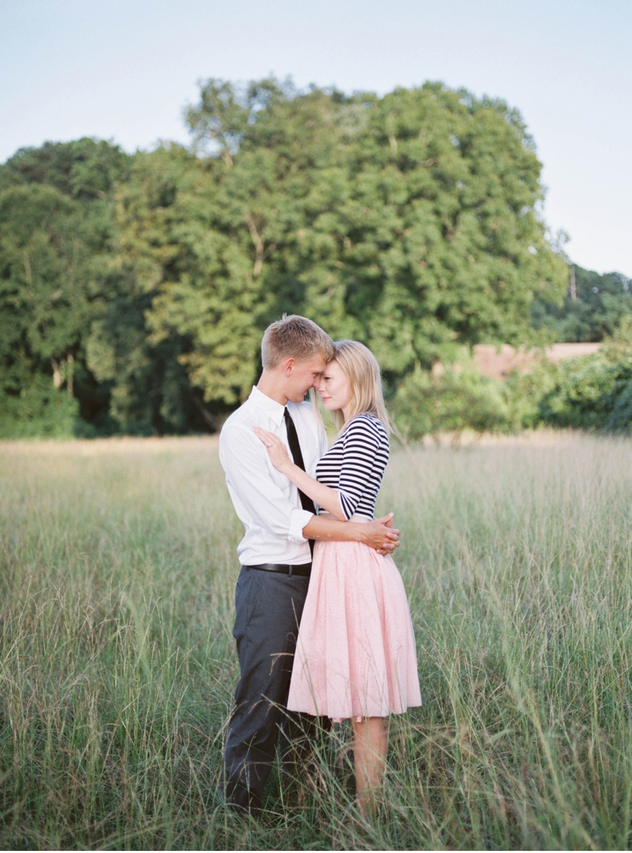 Stylish-Engagement-Film-Photography