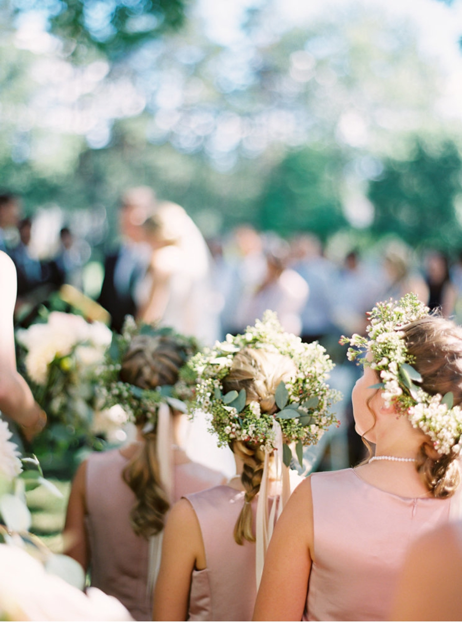 Flower-Girls-Fine-Art-Garden-Wedding