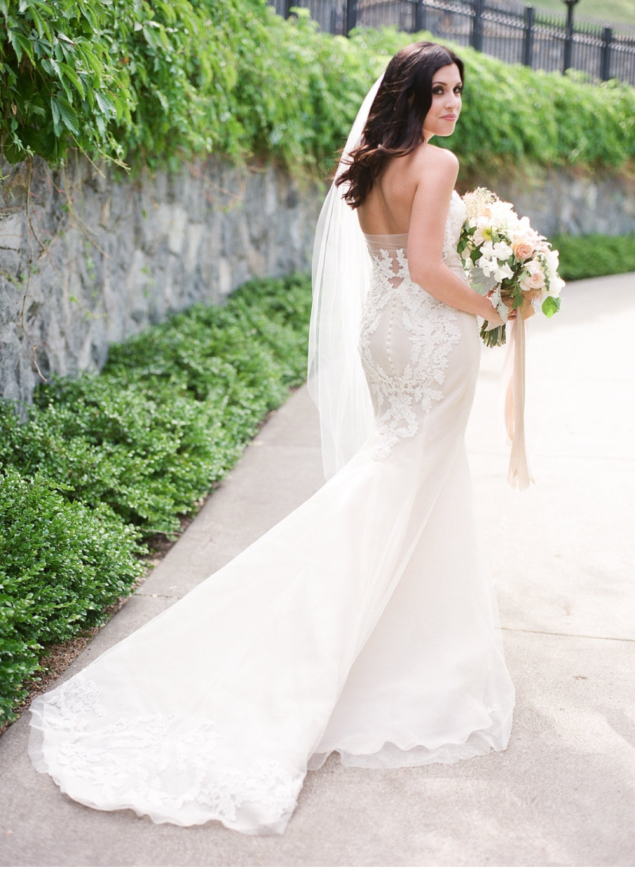 Ines-DiSanto-Gown-Canadian-Bride