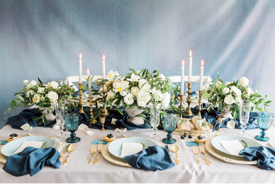 Teal-and-Gold-Wedding-Tablescape