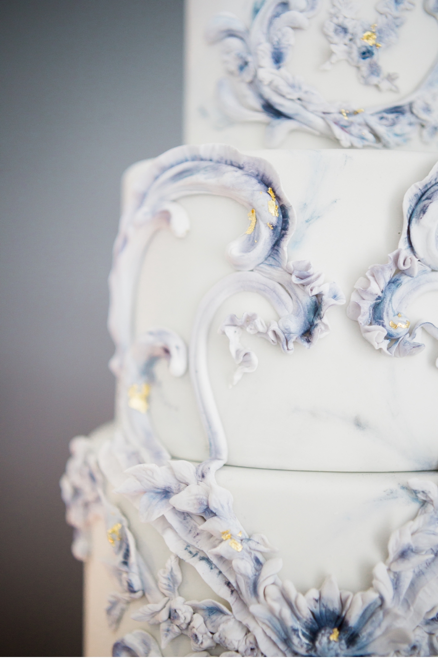 Blue-and-White-Wedding-Cake-Detail