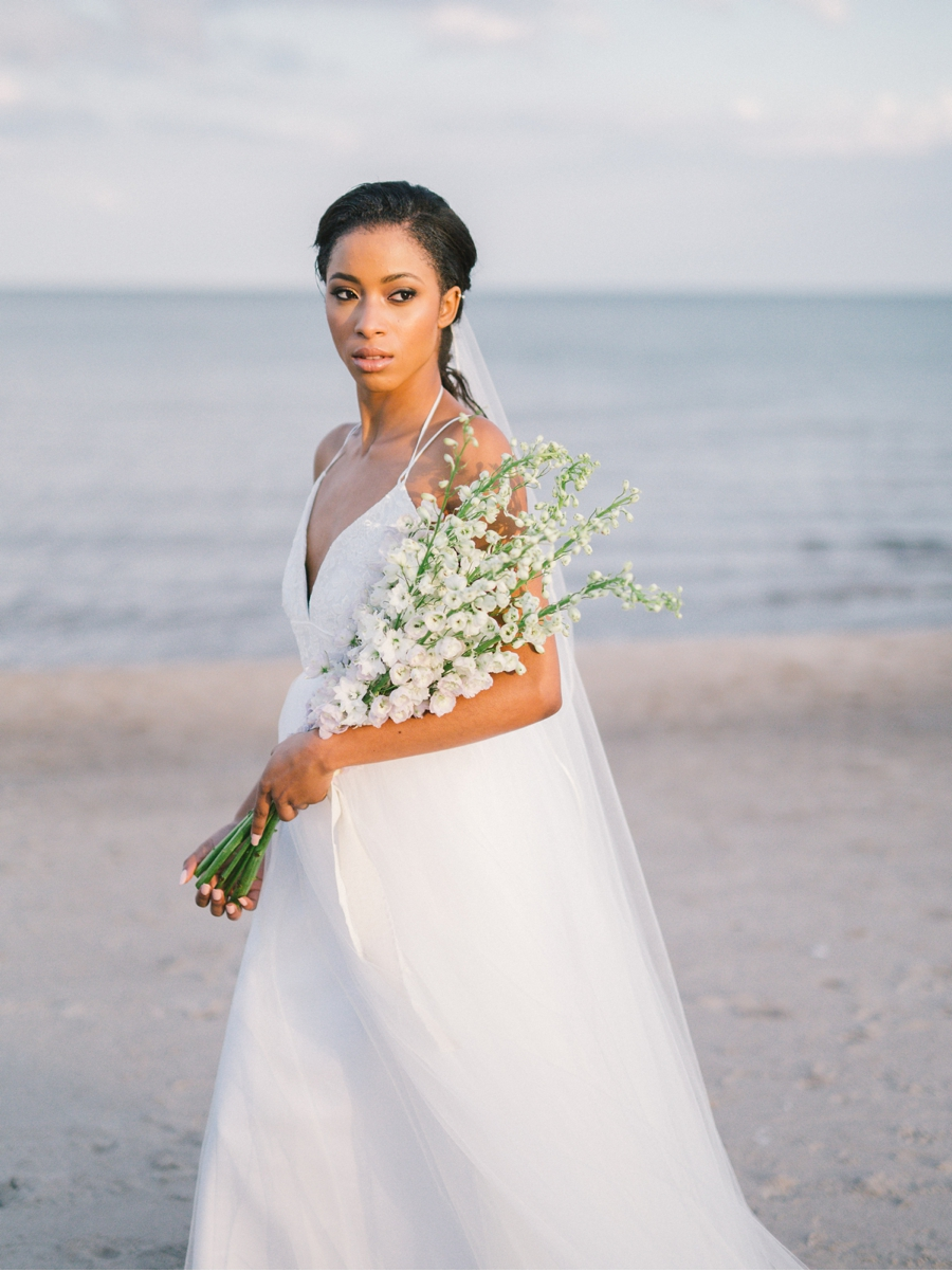 Bridal-Portraits-at-Sunset-by-the-water