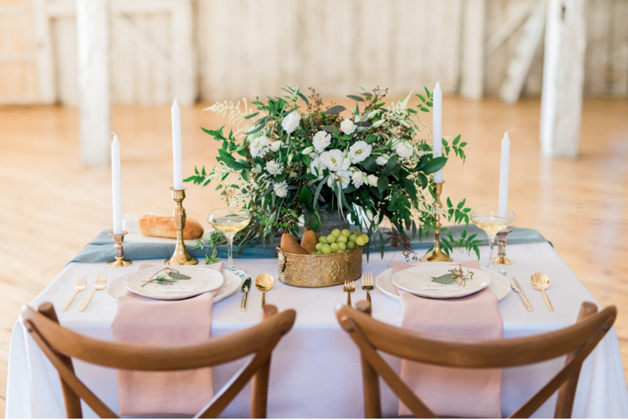 Country-Barn-Tablescape