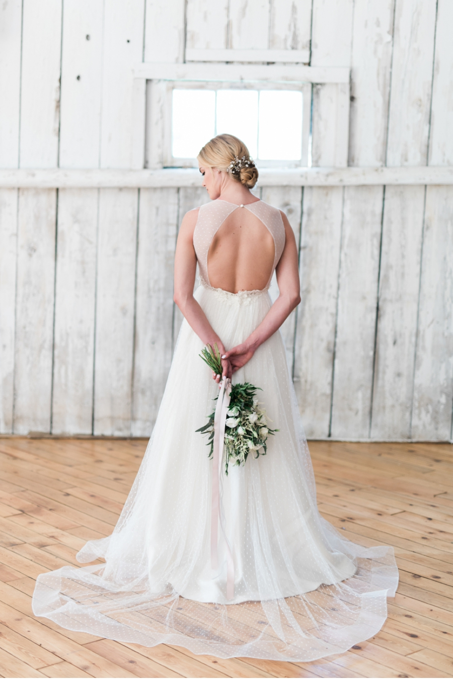 White-Barn-Bridal-Portraits