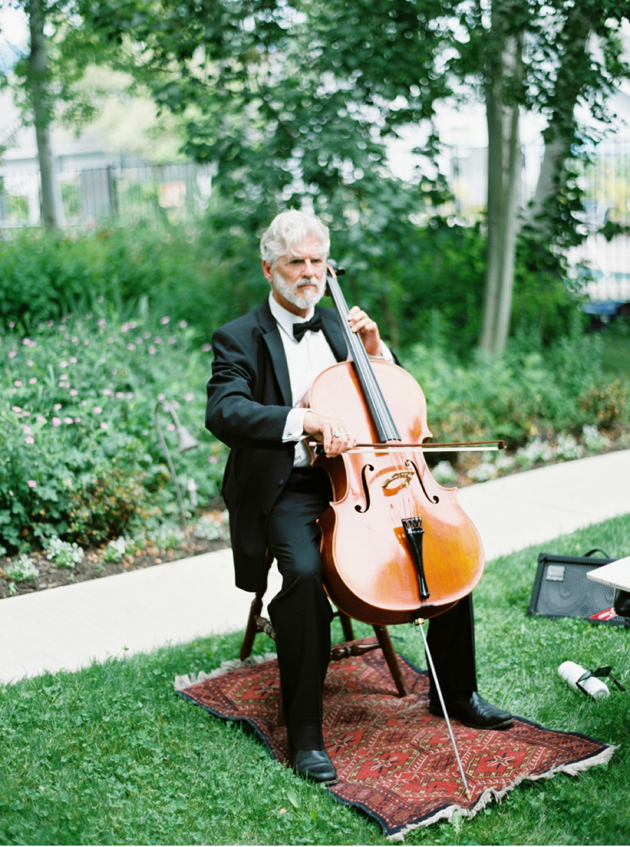 Ceremony-Musician-for-Garden-Wedding