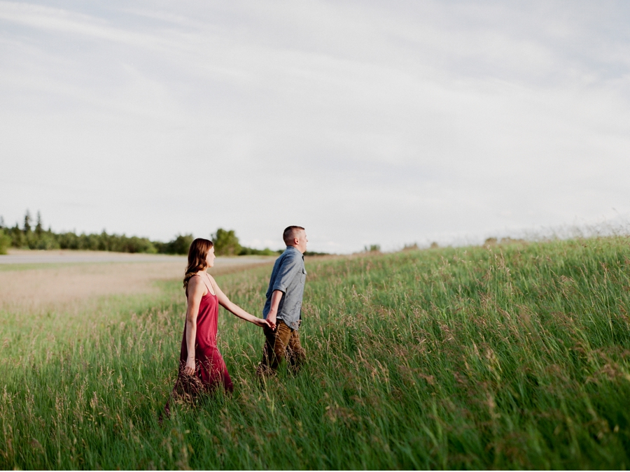 Golden-Hour-Engagement-Session-in-Manitoba