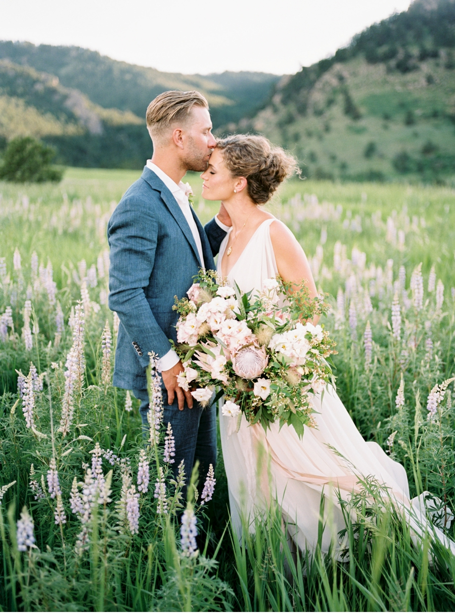 Colorado-Elopement-in-a-Meadow