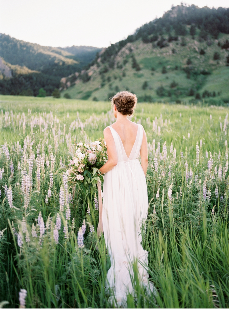 Spring-Wedding-Inspiration-in-the-Rockies